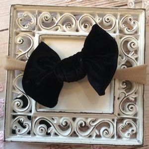 Other - Boutique Baby Girls Black Velvet Headband